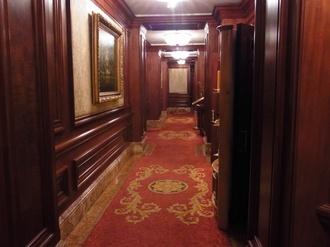 リッツ・1階廊下.JPG