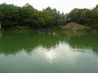 回遊式林泉庭園.JPG