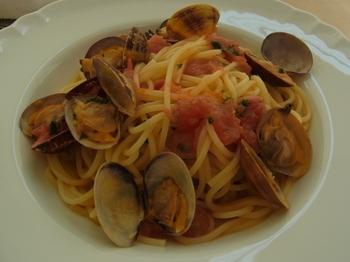 殻つきアサリとトマトのスパゲッティ.JPG