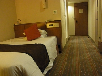 ロイヤルパークホテル.JPG