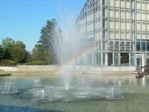 噴水と虹.JPG