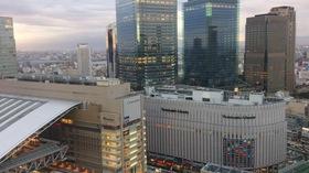 大阪駅とグランフロント大阪.jpg